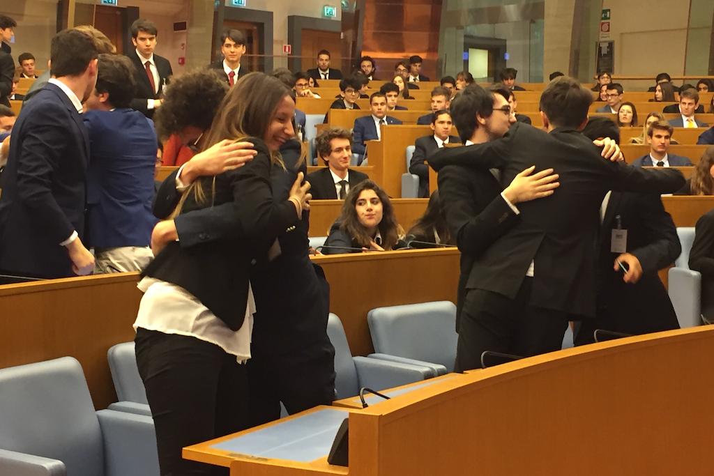 Democracy la simulazione del parlamento italiano for Concorsi parlamento italiano 2017